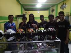 Om-om ganteng punggawa Helmet Lovers :D