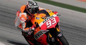Marquez juga menyatu banget ya dengan motornya :D
