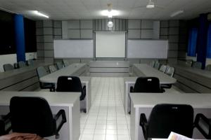 Ruangan rapat di Fakultas Perikanan dan Ilmu Kelautan IPB juga dipercayakan pengerjaan interiornya kepada Hery Kitchen Set!