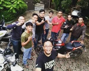 Blogger pada mampir ke kediamannya mang Ketu Kobayogas