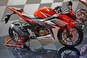 All New CBR150R Facelift Racing Red,gantengnya bikin kojel-kojel!!