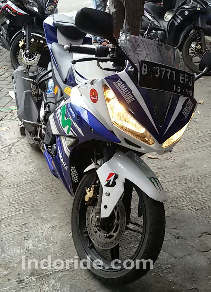 Modifikasi Yamaha R15 Pakai Cover HeadlampLebih Tajam Dan Makin Sporty