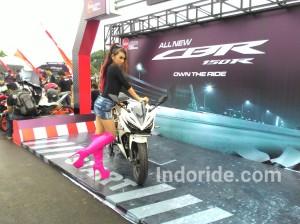 Launching Honda All New CBR150R di kota Karawang.. Seksi ya? *motornya...