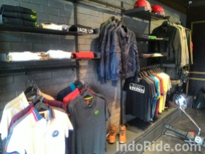 Apparel Resmi Royal Enfield