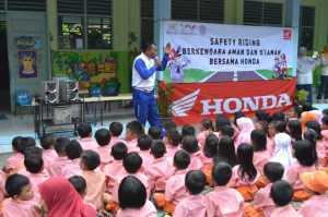 Edukasi safety riding ke anak kecil,berguna untuk masa depan!