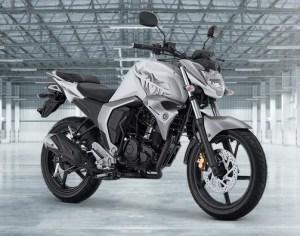 Yamaha Byson FI putih