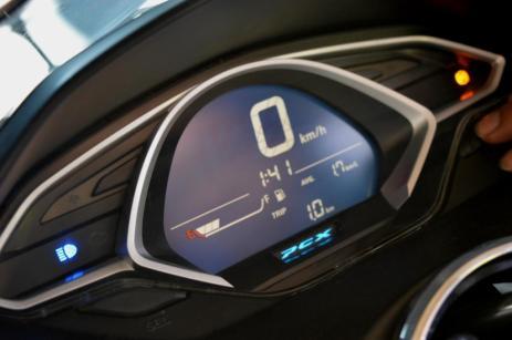 Speedometer Honda All New PCX 150 2018, mewah dan berkelas! Yuk bahas fitur-fiturnya!